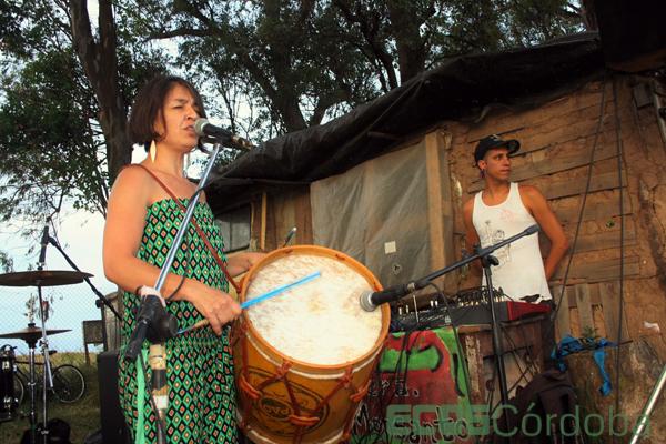 Paola Bernal en el bloqueo contra Monsanto.