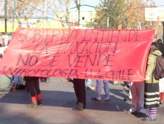 Chile: Continuan la...