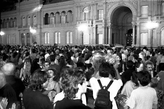 Cacerolazo frente a la Casa Rosada. ¿Podr�a repetirse en tiempos de Cristina Fernández de Kirchner? Foto : Indymedia