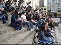 v�rias bandeiras, estimasse  o comparecimento de mais de 200 estudantes