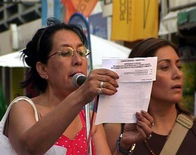 Norma Ríos lee la co...