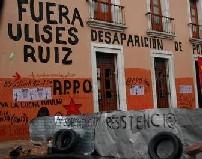 Barricada en Oaxaca - www.anarkismo.net
