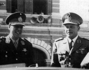 Stroessner junto a Perón, a quien albergó en el 55