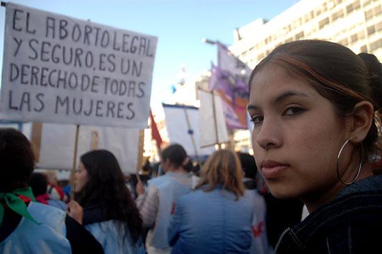 Imagenes /Por aborto...