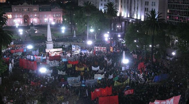 lopez-demo plaza de mayo