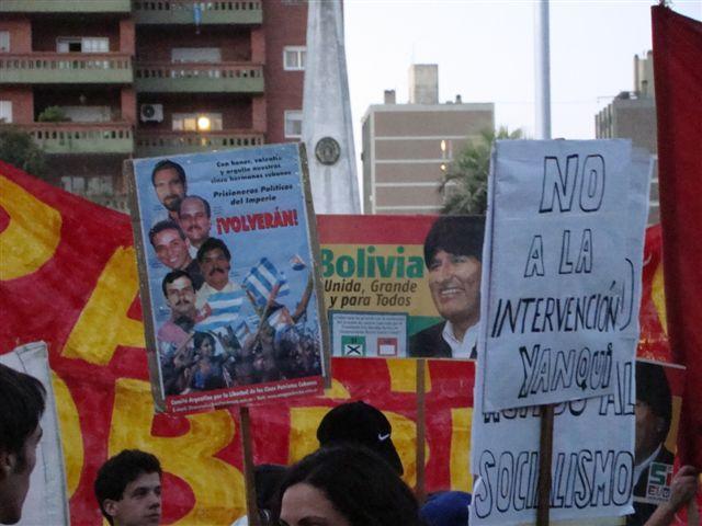 Apoyo a Bolivia y po...