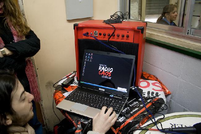 www.radiocaos.com.ar...