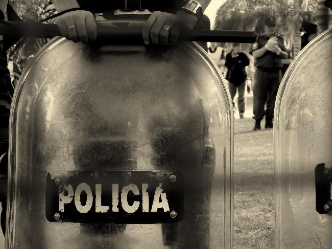 policía...