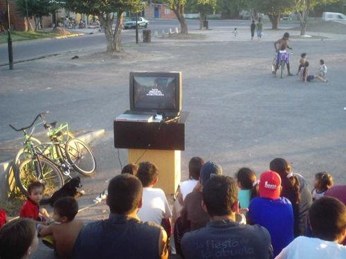 El video en la plaza...
