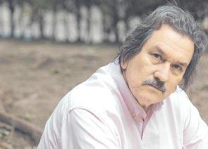 Carlos Altamirano...