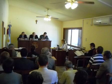 Juan Carlos Scaramuzza y Edgardo Scaramuzza son juzgados por estafas en la Ciudad de Deán Funes