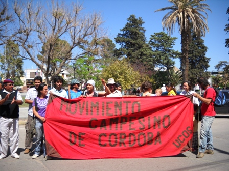 Integrantes del Movimiento Campesino De Córdoba se hicieron presentes en el Juicio contra los hermanos Scaramuzza en Deán Funes