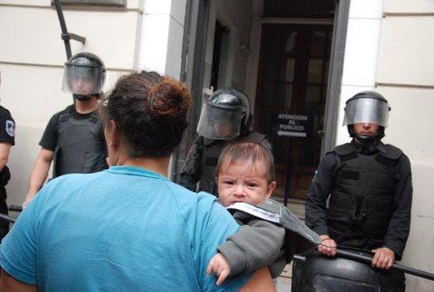 Represión y detenció...