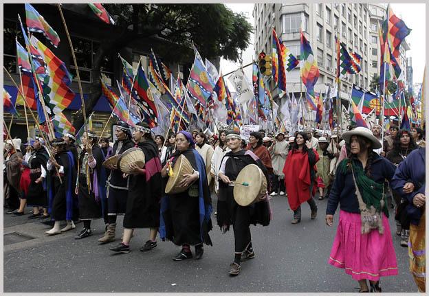 Marcha Pueblos Origi...