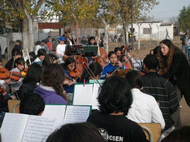 La orquesta infantil...