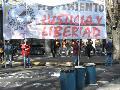 Barrios sin luz se manifestaron en EDELAP