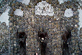Iglesias hechas con huesos humanos