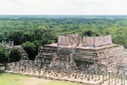 Mayas, actores y víctimas del turismo apocalíptico