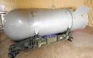 El Banco Santander y el BBVA dan créditos a fabricantes de armas nucleares
