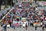 Indígenas se manifiestan contra el estado de sitio en un pueblo guatemalteco