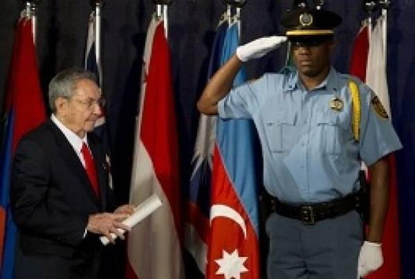 Raul Castro en el R�...