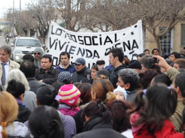 V.G. Galvez: Mesa so...