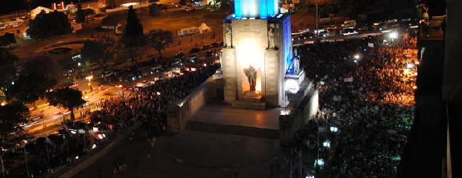 8N: En Rosario, la p...