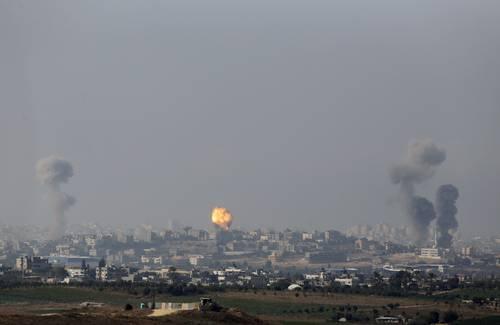 Mueren 13 palestinos...