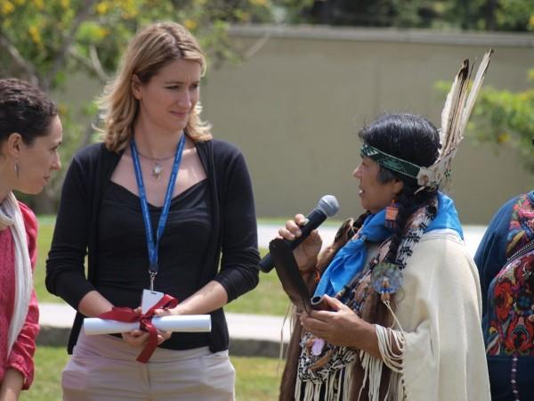 Mujeres indígenas un...
