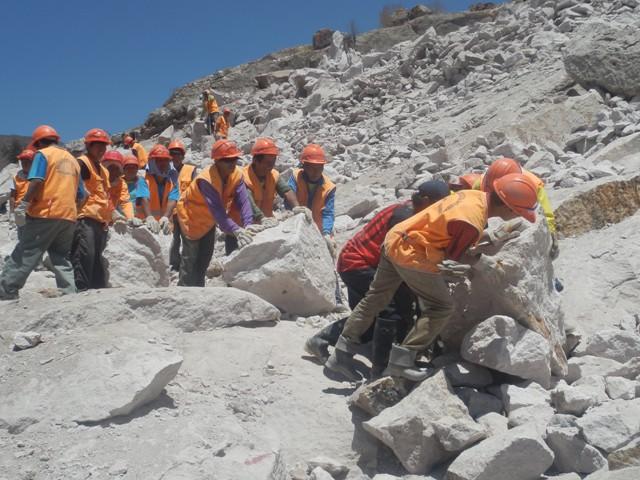 Perú: 2 represas con...