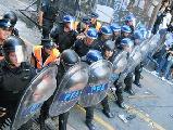 Represi�n policial en la Casa de la Provincia de Tucum�n
