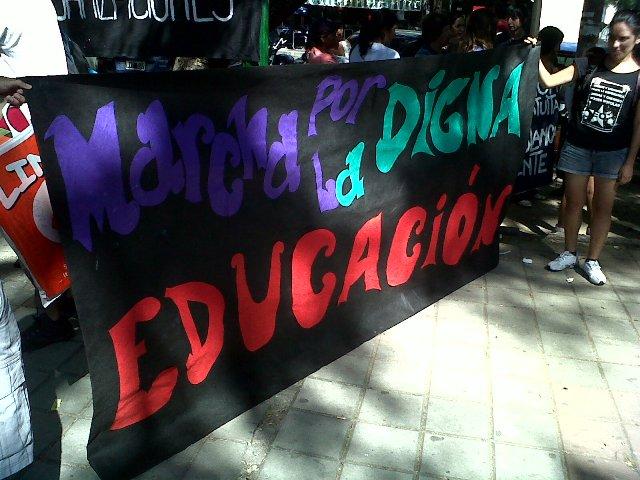 Marcha educación 2...