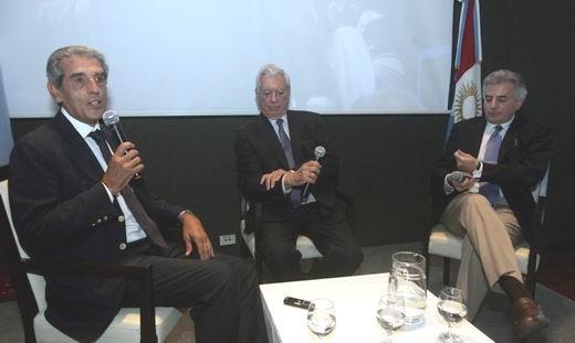 Álvaro Vargas Llosa ...