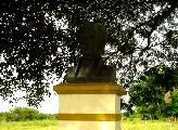 Jean-Philippe Borbollono tiene su monumento