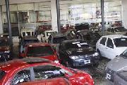 Ataque incendiario contra concesionaria Fiat y otros autos