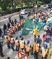 Enorme operativo contra trabajadores del INTI