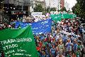 Movilizaci�n de estatales y docentes en La Plata