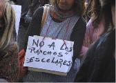 La Plata: Multitudinaria movilizaci�n docente por infraestructura