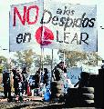 Una patota atacó la carpa de los trabajadores despedidos de Lear