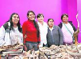 Mujeres wichí piden un mercado de comercio justo para vender sus artesanías