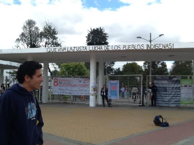 Universidad Nacional...