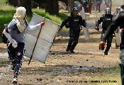 Policía rompe la tregua y vuelve atacar a los indígenas en Corinto