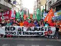 Masiva marcha en Rosario por bono, contra el ajuste y la  represión