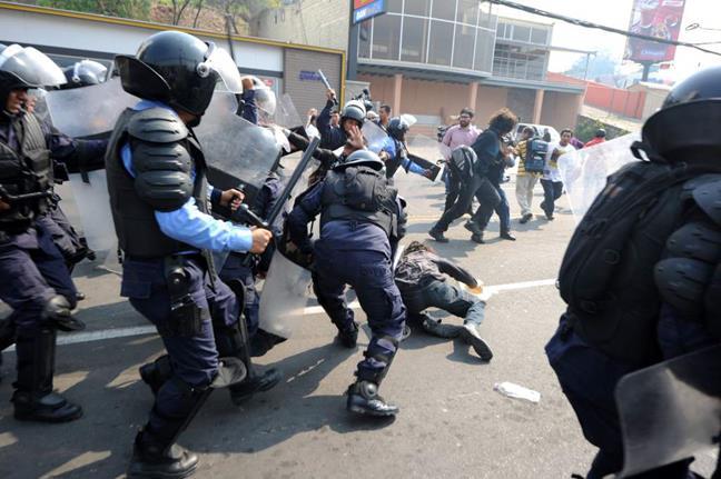 Honduras: Reprimen m...