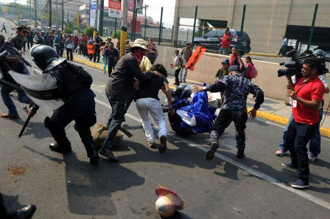 Represión contra la ...