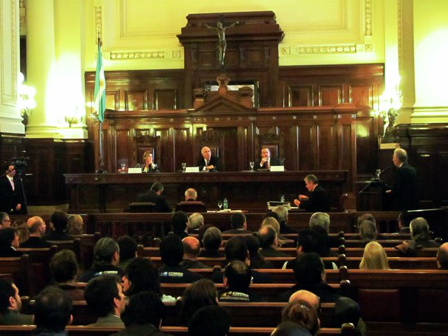 La Corte restringió ...