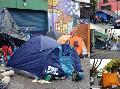 """""""27 familias en la calle, el Gobierno de la Ciudad y Edesur son responsables"""""""