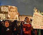 """""""El mensaje de los zapatistas es muy poderoso en un mundo que se cae a pedazos"""""""