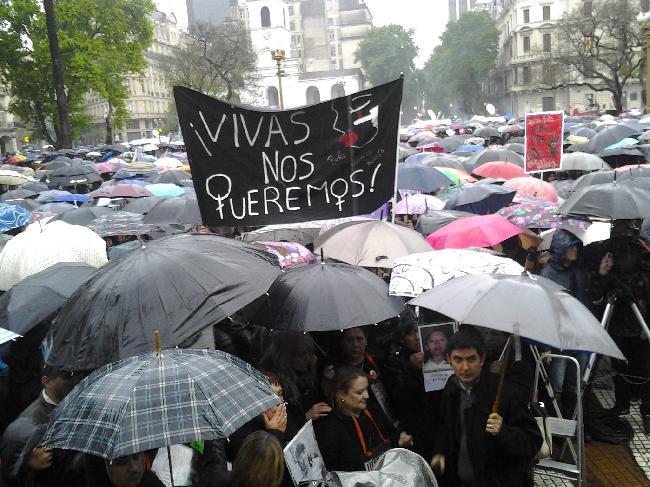 En Plaza de Mayo, ba...