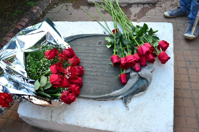 Rosas Rojas en la lá...